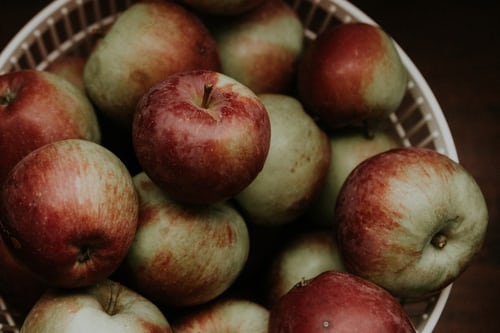 apples are very nutritious superfoods